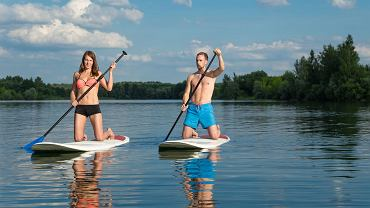 Paddleboarding - nowa dyscyplina sportów wodnych, którą możesz uprawiać na Mazurach