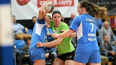 Z piłką rozgrywająca MKS Selgros Kristina Repelewska