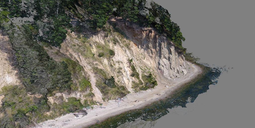 Przykład zastosowania dronów w modelowaniu 3D brzegu klifowego (Gdynia - Orłowo).