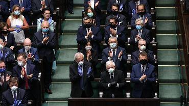 Projekt podwyżek dla polityków już w Sejmie