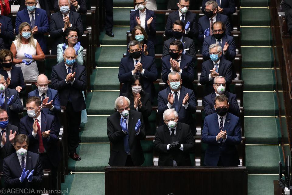 Posłowie przegłosowali projekt podwyżek