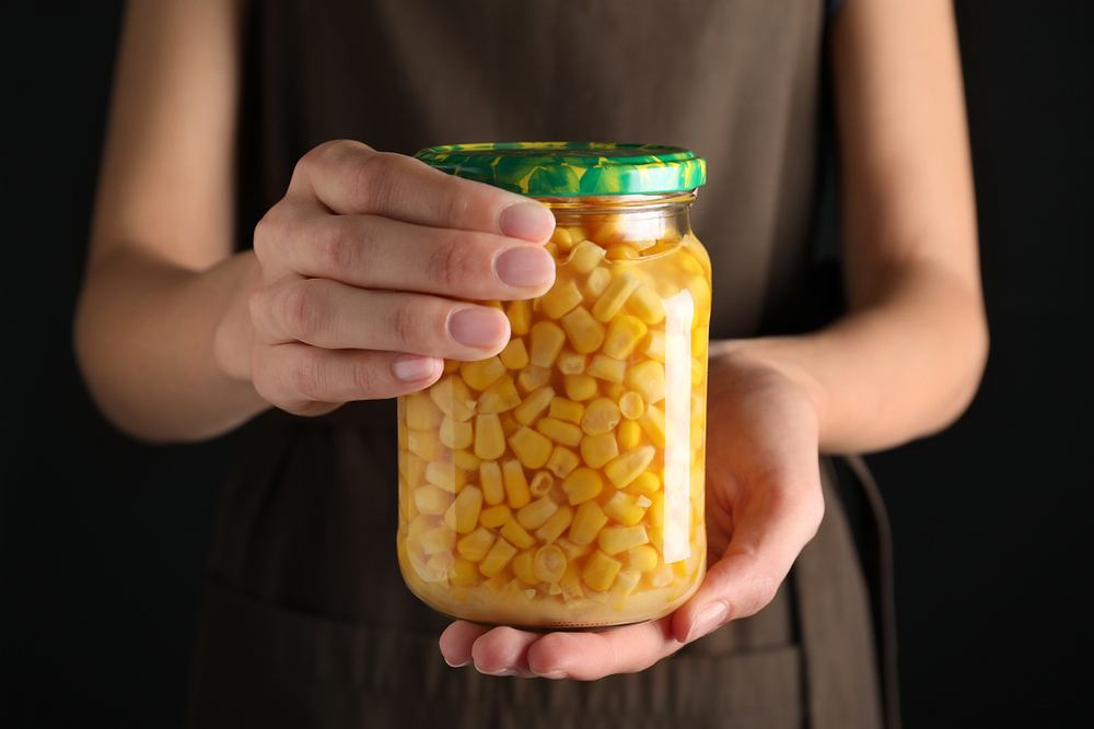 Jak zrobić domową kukurydzę konserwową? Sezon trwa!