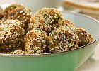 Menu dnia z turecką sałatką i <strong>falafelami</strong>