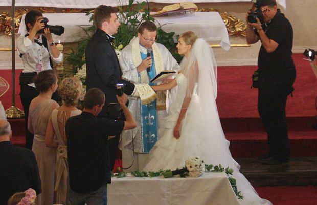 Prezenterka Polsatu Agnieszka Popielewicz i producent Polsatu Mikołaj Wit, po kilku latach narzeczeństwa, wzięli ślub.