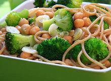 Spaghetti z brokułami i ciecierzycą - ugotuj
