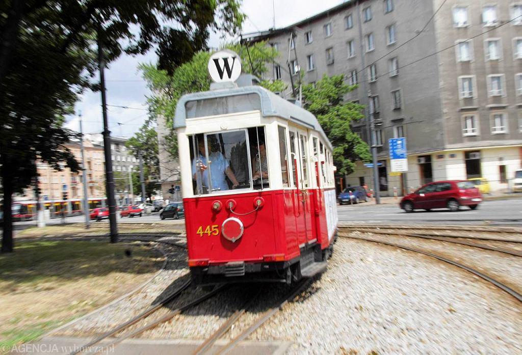 Zabytkowy tramwaj na placu Narutowicza