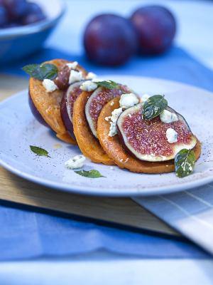 Naleśniki z figami i serem pleśniowym