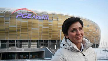 Joanna Mucha przed stadionem w Gdańsku
