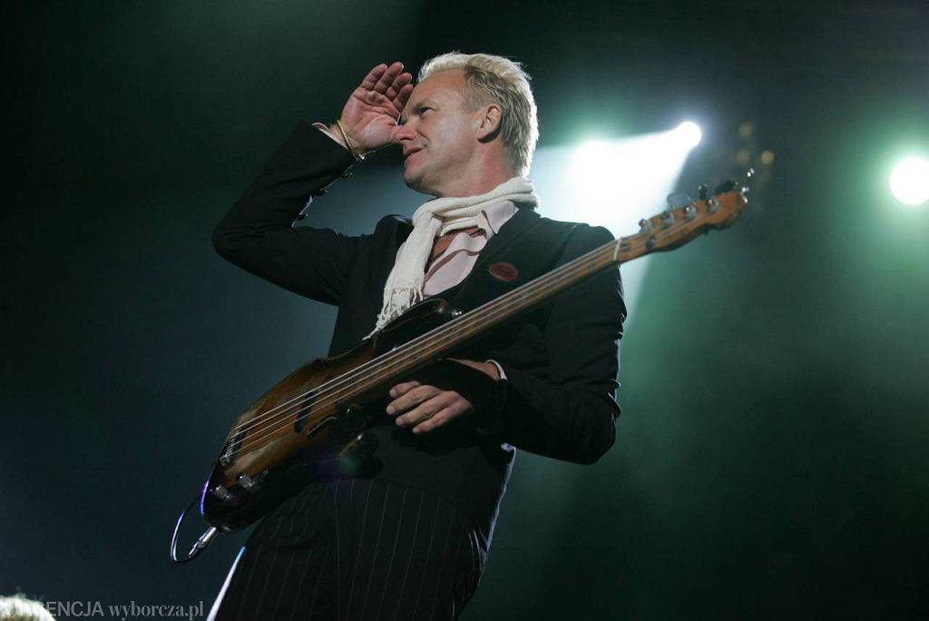 Sting na koncercie w Warszawie, 2005. Koncert zorganizowano z okazji zmiany nazwy jednej z sieci telefonii komórkowej