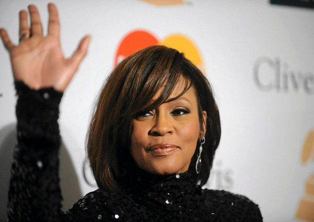 Whitney Houston attends the Pre-Grammy Gala & Salute to Industry Icons in Beverly Hills, California, in this file photo taken February 12, 2011. Houston has died, according to her publicist on February 11, 2012. She was 48. REUTERS/Phil McCarten/Files (UNITED STATES - Tags: ENTERTAINMENT OBITUARY)  SLOWA KLUCZOWE:  :rel:d:bm:GM1E72D1E4701