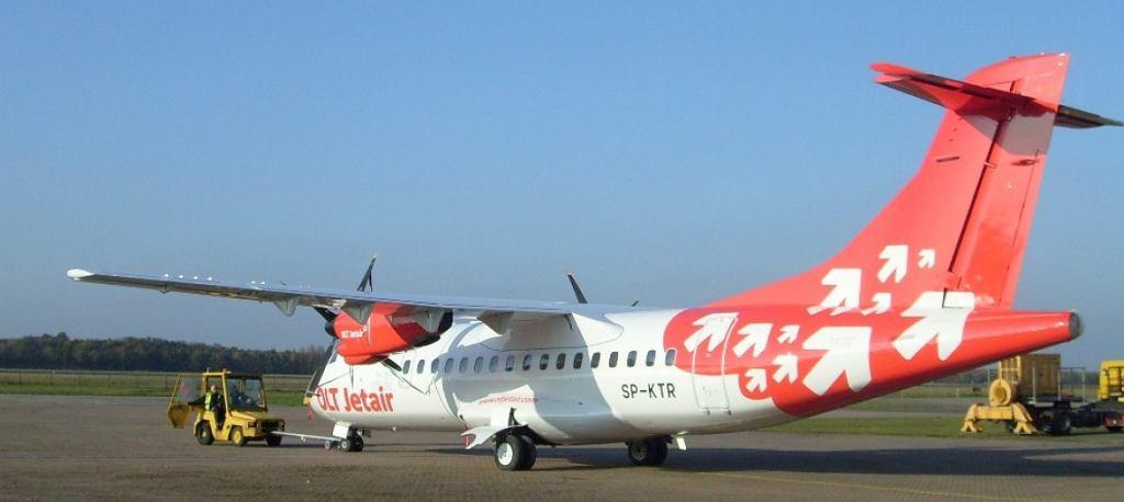 ATR 42-300 linii OLT Express o znakach SP-KTR, który miał kłopoty techniczne po odlocie z lotniska w Gdańsku