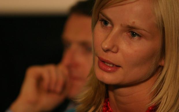 """14.09.2004 GDYNIA FESTIWAL POLSKICH FILMOW FABULARNYCH KONFERENCJA PRASOWA PO FILMIE  """" TRZECI """" N/Z MAGDALENA CIELECKA  FOT. RAFAL MALKO / AGENCJA GAZETA"""