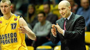 Trener Prokomu Andrzej Adamek (z prawej)