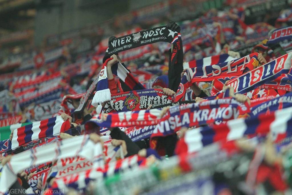 Kibice krakowskiej Wisły mają ułatwione zadanie - konkurencji na stadionie praktycznie żadnej