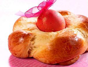Greckie ciasto tsoureki