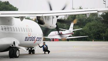 Samolot linii Eurolot na lotnisku Balice w Krakowie