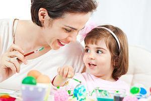 W co się bawić z dzieckiem? 9 propozycji wielkanocnych zabaw