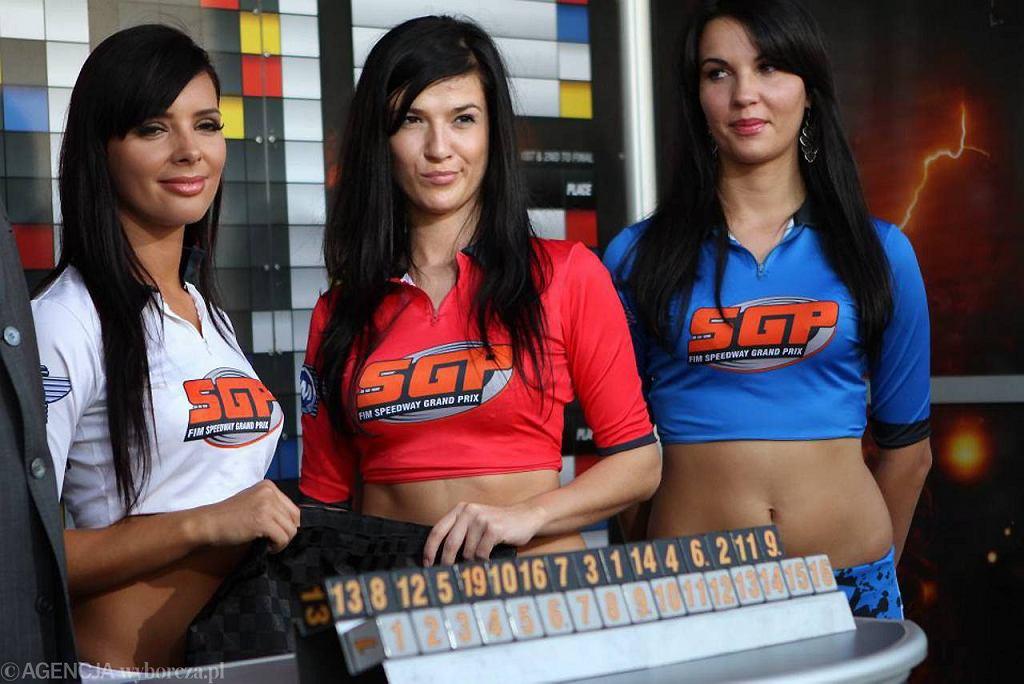 Hostessy podczas Speedway Grand Prix na Motoarenie w Toruniu.