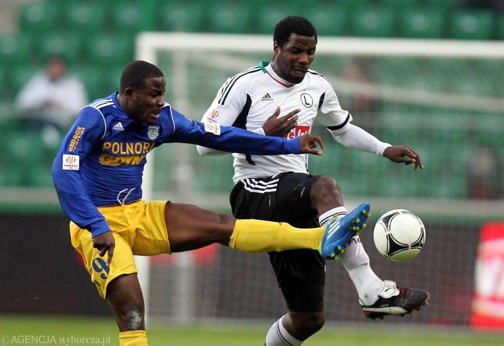 Charles Nwaogu (z lewej)