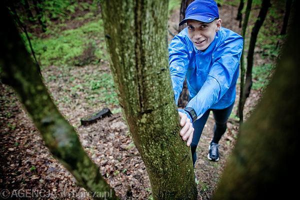 dr farm. Jakub Czaja, absolwent Gdańskiego Uniwersytetu Medycznego, prowadzi poradnictwo żywieniowo-treningowe www.aktywnadieta.pl, biegał profesjonalnie (rekord na 3000 m z przeszkodami - 8.17,49, 10 tys. m - 28:56), obecnie trenuje amatorsko triatlon i bieganie.