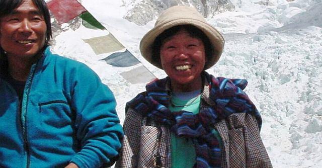 Tamae Watanabe i Noriyuki Muraguchi w bazie pod Everestem
