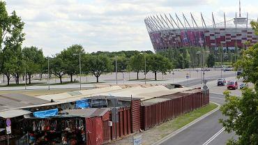 Resztki bazaru przy Stadionie Narodowym