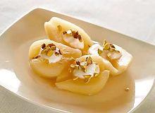 Gruszki ze śmietaną i pistacjami - ugotuj