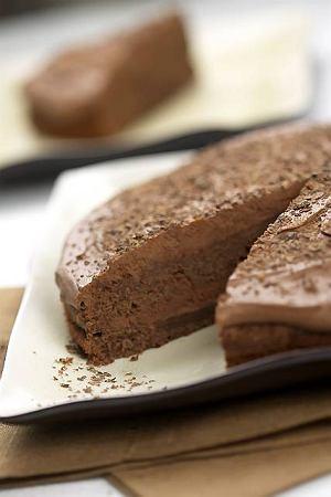 Tort z kawałkami czekolady