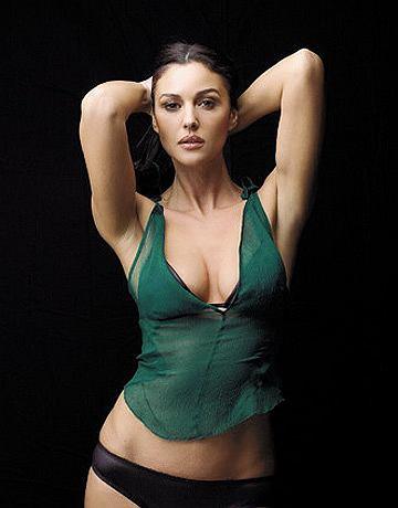 Monica Bellucci w magazynie Esquire
