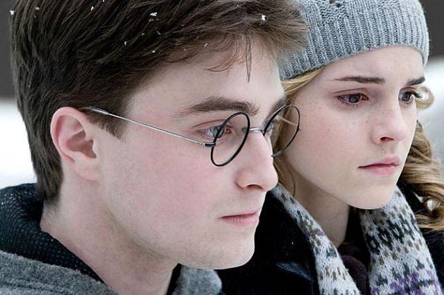 1: Harry Potter i Książę Półkrwi, czyli szósta odsłona przygód sławnego czarodzieja. Producenci dochodowej serii nie mają chwili odpoczynku: już przygotowują część siódmą. Film