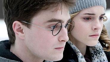 """1: Harry Potter i Książę Półkrwi, czyli szósta odsłona przygód sławnego czarodzieja. Producenci dochodowej serii nie mają chwili odpoczynku: już przygotowują część siódmą. Film """"Harry Potter i Insygnia Śmierci"""" (premiera - 2010) pewnie znajdzie się na czele podobnego rankingu za rok."""