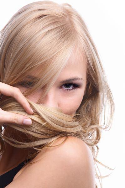 Skuteczna regeneracja włosów po zimie