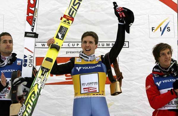 Simon Ammann , Wolfgang Loitzl oraz Gregor Schlierenzauer - według wysokości na podium(od najwyższego, sobota)