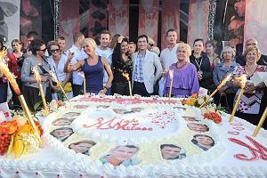 III zlota fanów serialu M jak miłość to nie lada wydarzenie. Na gdyński Skwer Kościuszki przybyła cała masa sympatyków popularnego programu. Były autografy, wspólne zdjęcia a na koniec wielki tort.