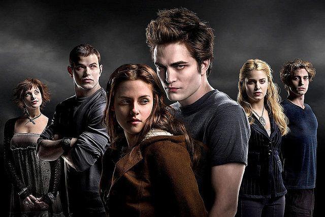 Robert Pattinson jako Edward Cullen w ''Zmierzchu''