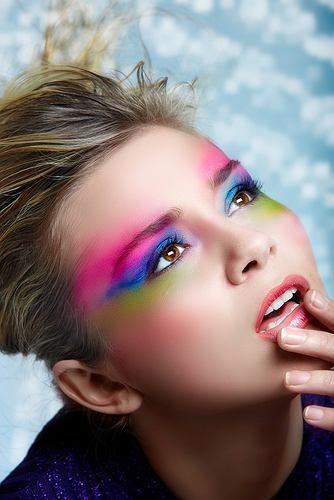 Kolory zawsze modne w makijażu