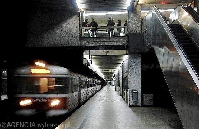 Pociąg na Dworcu Centralnym