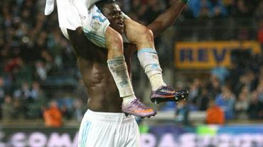 Taye Taiwo i Mathieu Valbuena