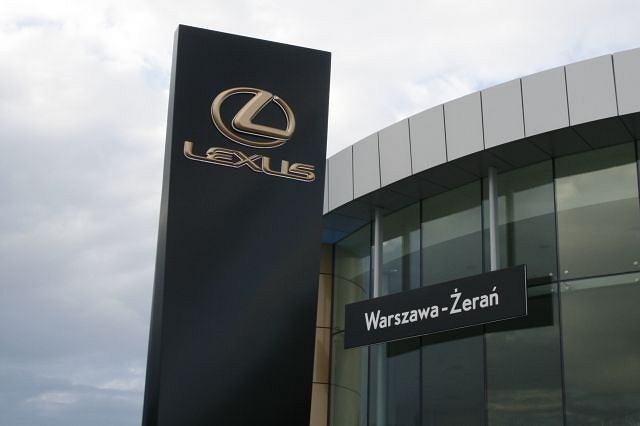 Nowy salon sprzedaży samochodów marki Lexus