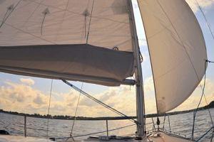 Na żeglarskim szlaku Wielkich Jezior Mazurskich