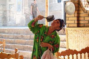 """Uzbekistan - """"Hello, bon-bon jest?"""""""