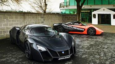 Marussia B2 (na pierwszym planie) i B1