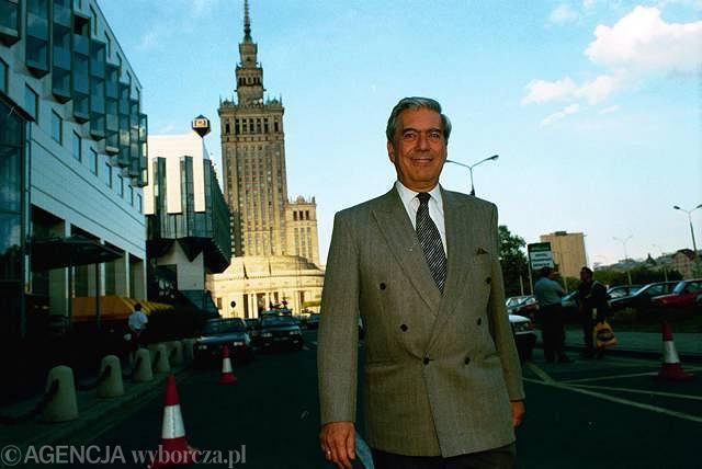 Mario Vargas Llosa podczas wizyty w Warszawie w czerwcu 1997 roku
