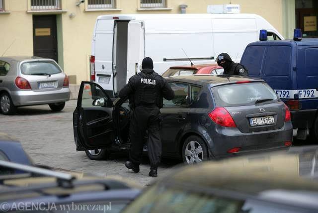 Ryszarda C. najpierw przewieziono do aresztu przy ul. Smutnej, dopiero stamtąd trafił do aresztu śledczego w Piotrkowie
