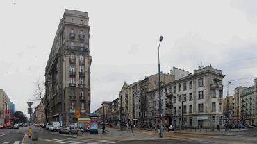 Kamienica przy Marszałkowskiej 1 (po lewej) przy placu Unii Lubelskiej