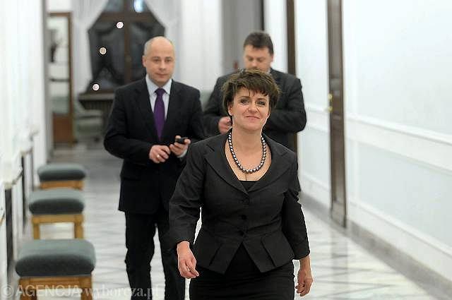 Joanna Kluzik-Rostkowska, Jacek Pilch (z tyłu z lewej) i Zbysław Owczarski (z tyłu z prawej)