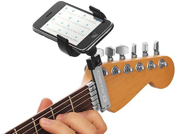 Guitar Sidekick to przystawka umożliwiająca mocowanie na gryfie gitary takich gadżetów, jak iPhone, iPod Touch czy PSP