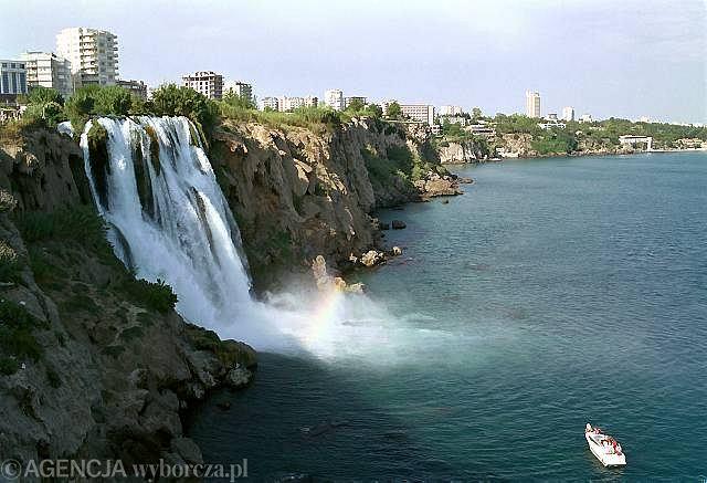 Tureckie wybrzeże w Antalyi
