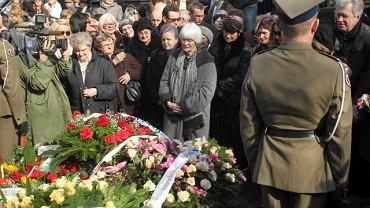 Irena Kwiatkowska została pochowana obok swego męża