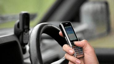 Używanie telefonu podczas jazdy